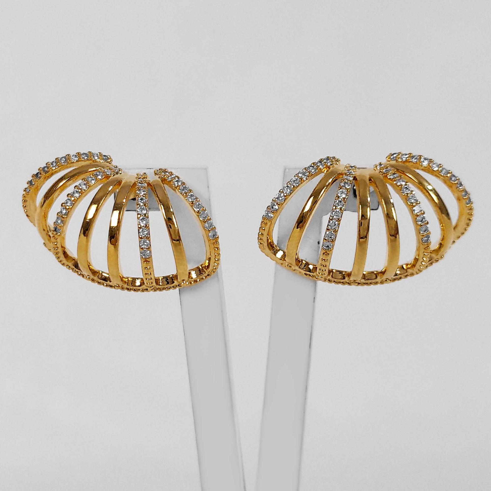 Brinco Ear Cuff Argolinhas Luxo Cravejado Folheado Ouro 18K  - Lunozê Joias