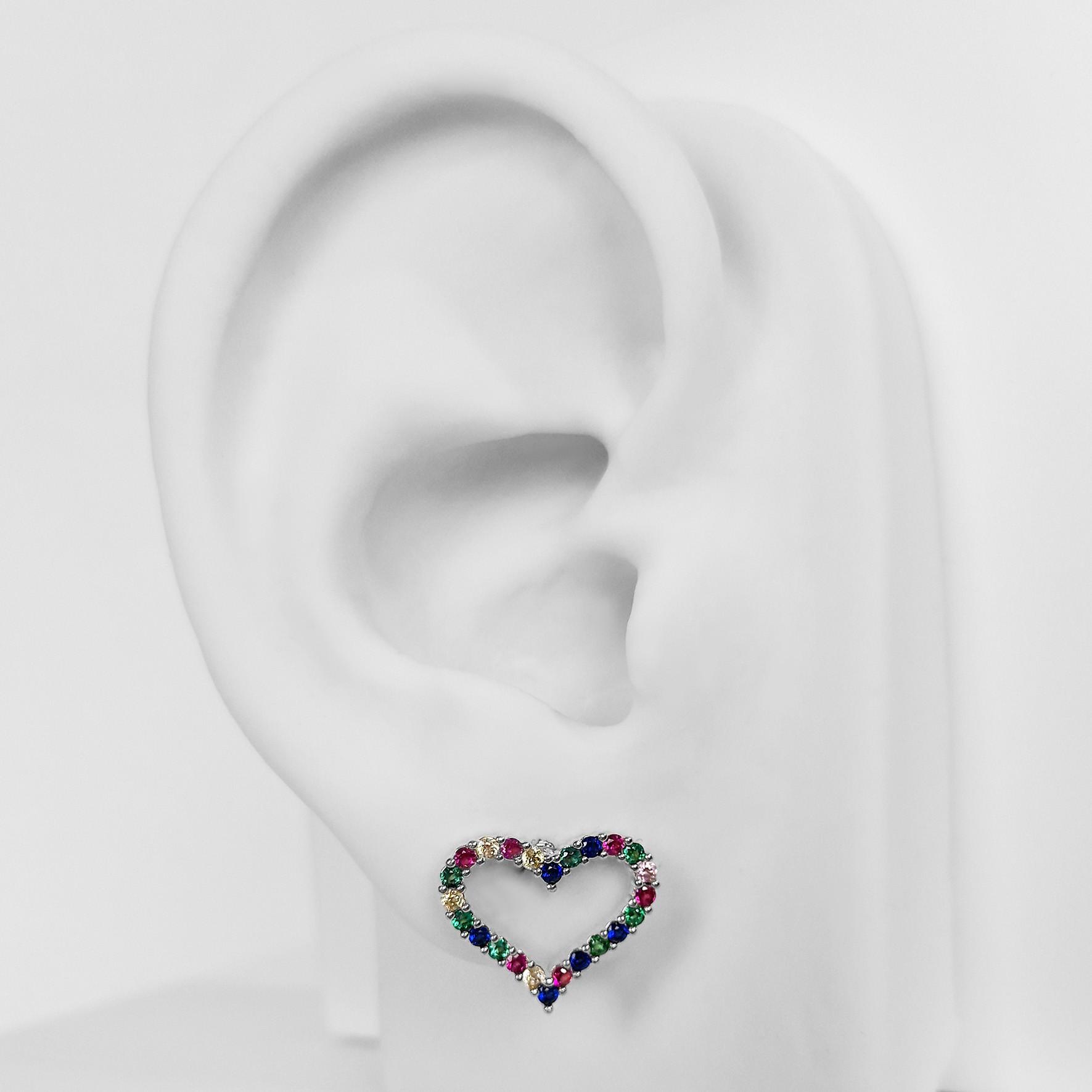Brinco Pequeno Coração Vazado Zircônia Folheado a Prata 1000  - Lunozê Joias