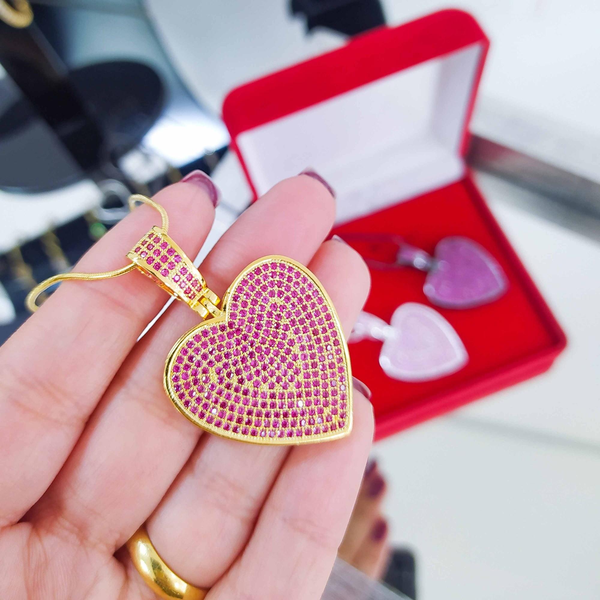 Colar 60 cm Coração Luxo Cravejado Pink Banho a Ródio Negro