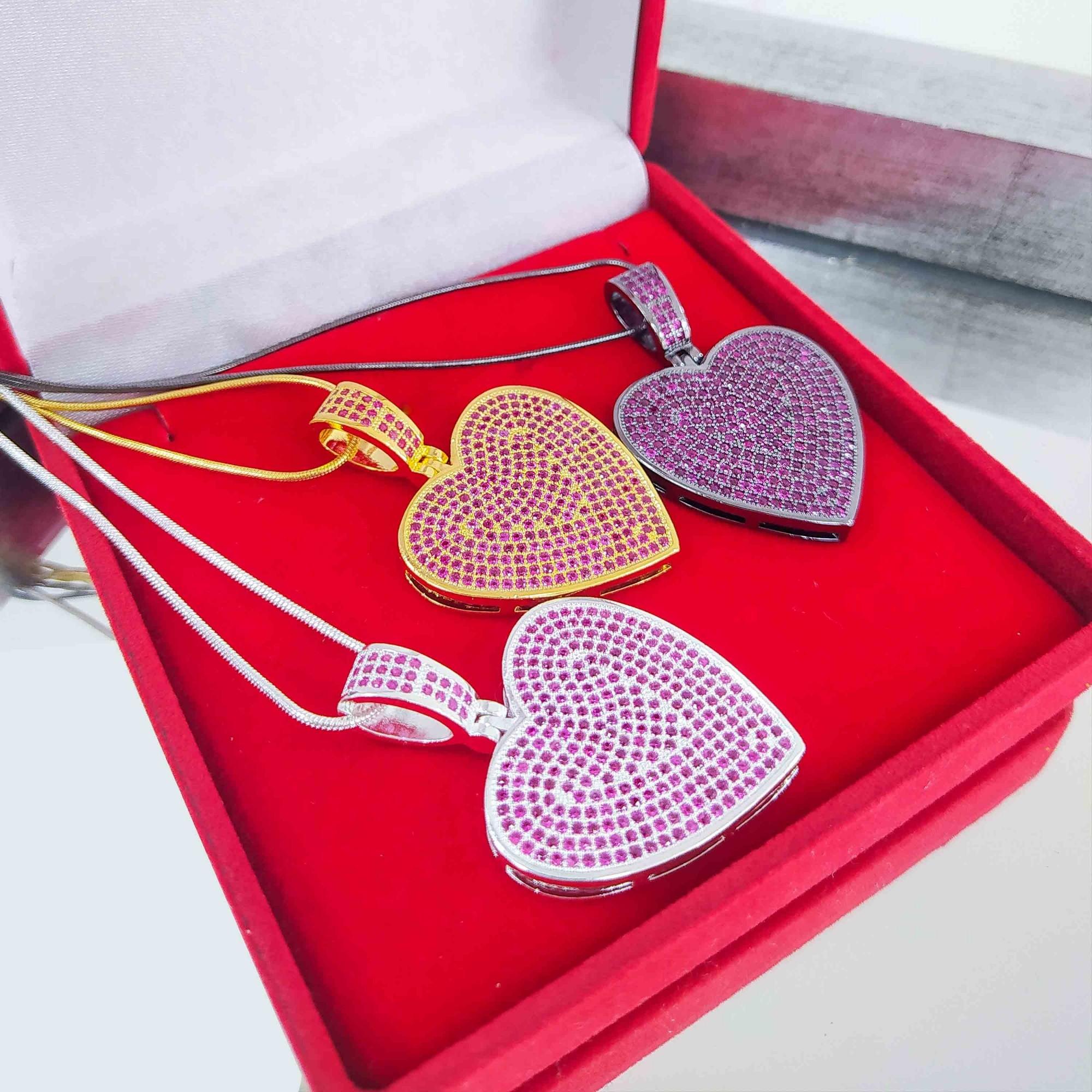 Colar 60cm Coração Luxo Cravejado Pink Folheado a Prata 1000  - Lunozê Joias