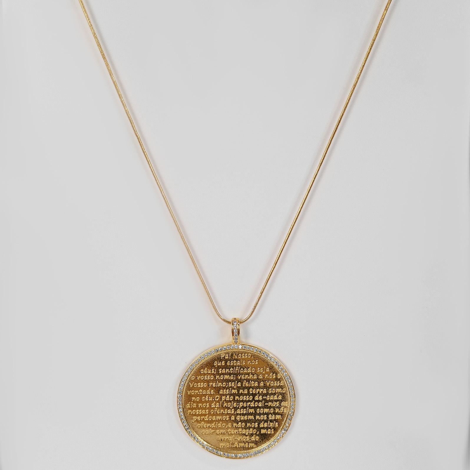 Colar Comprido Medalhão Pai Nosso Folheado Ouro 18k  - Lunozê Joias