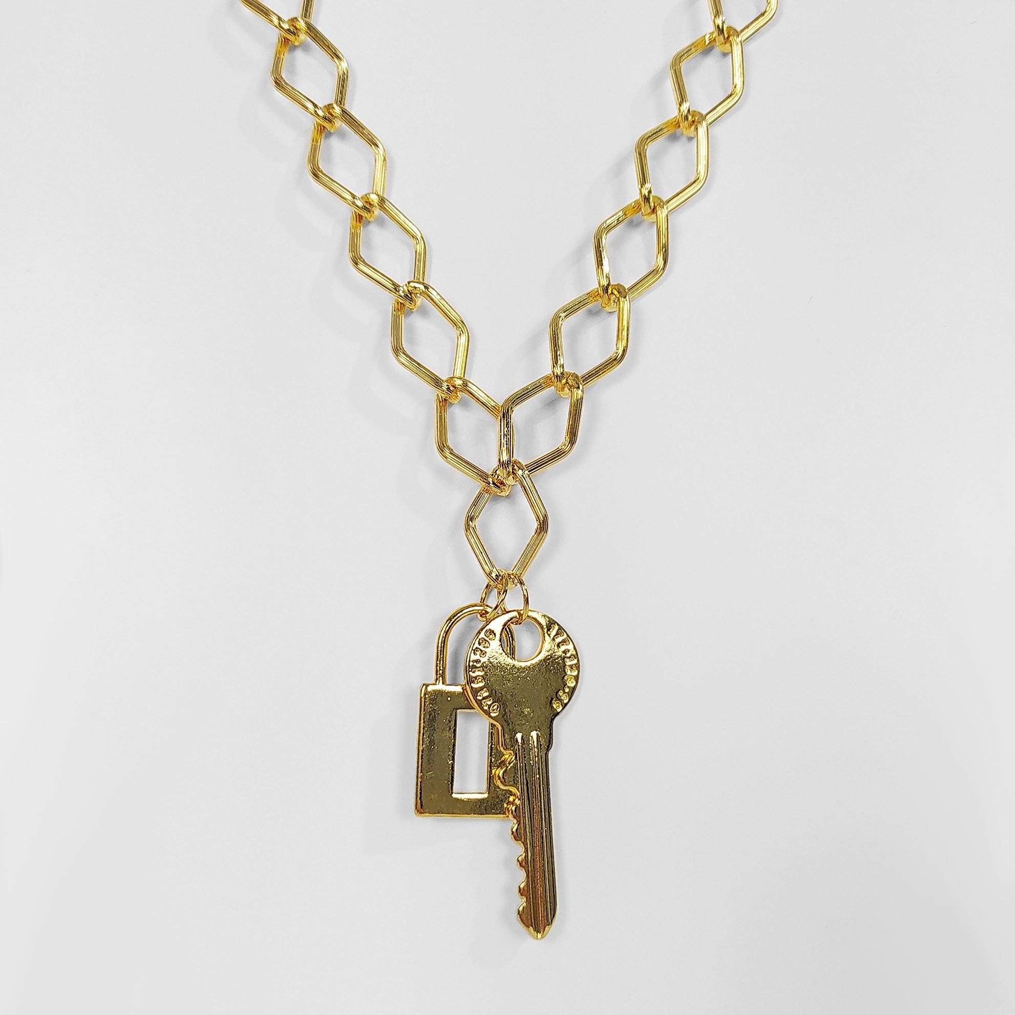 Colar Groumet Pingente Chave e Cadeado Folheado a Ouro 18k