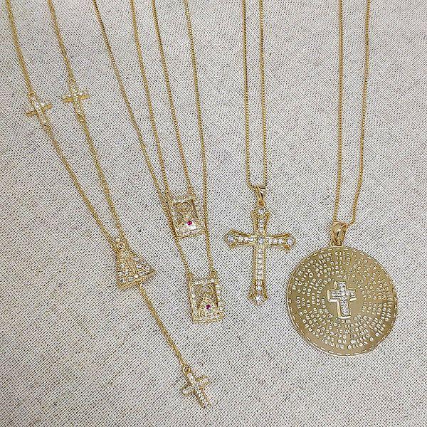 Gargantilha Cruz de Malta Micro Zircônias Folheado Ouro 18k