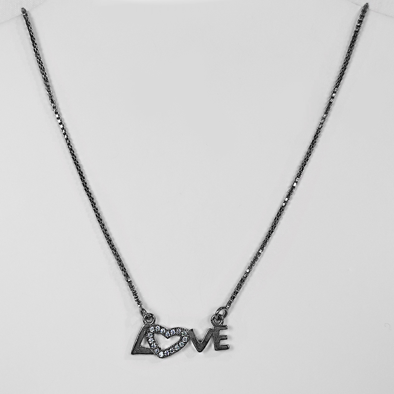 Gargantilha Love Cravejado Banho Ródio Negro  - Lunozê Joias