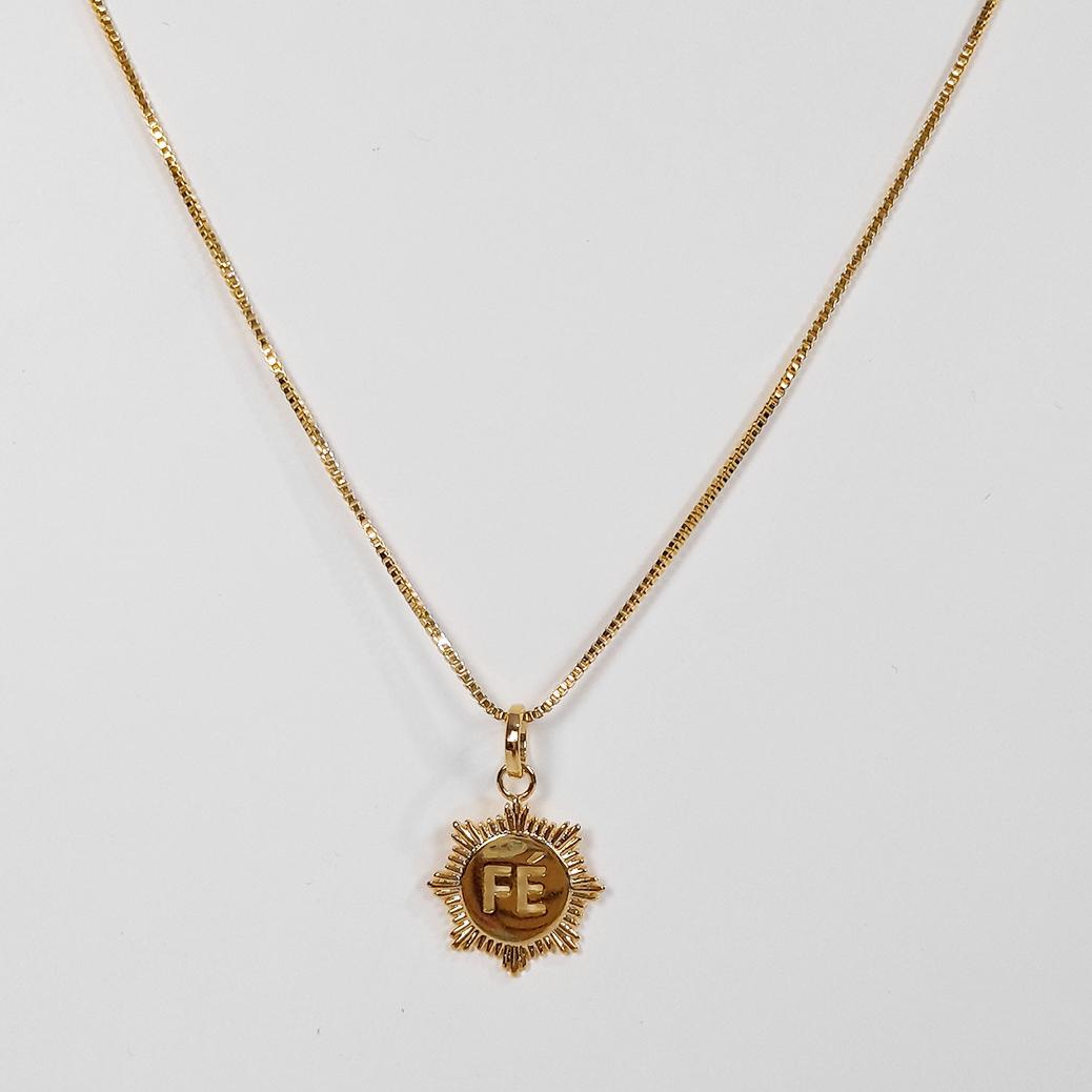 Gargantilha Medalha Fé Folheada a Ouro 18k  - Lunozê Joias