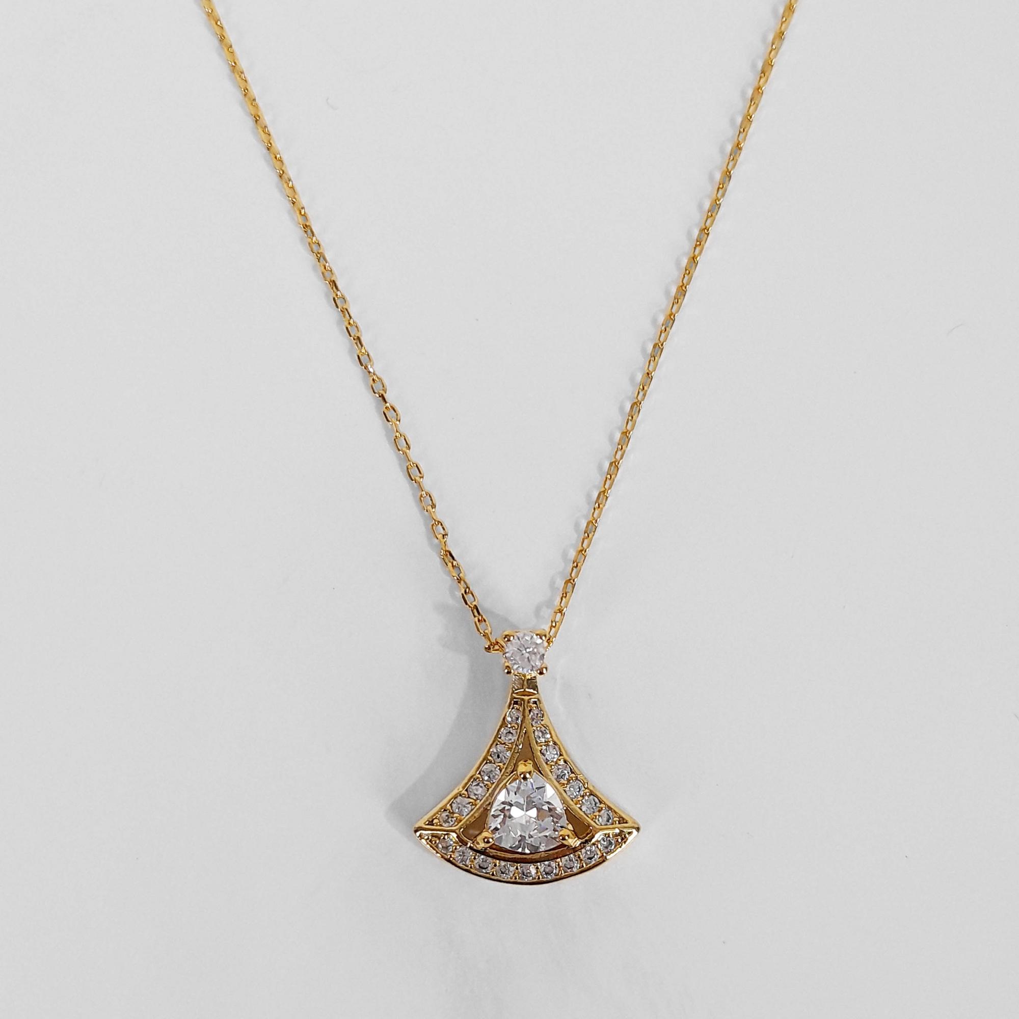 Gargantilha Triângulo Cravejado Zircônias Folheada a Ouro18k  - Lunozê Joias