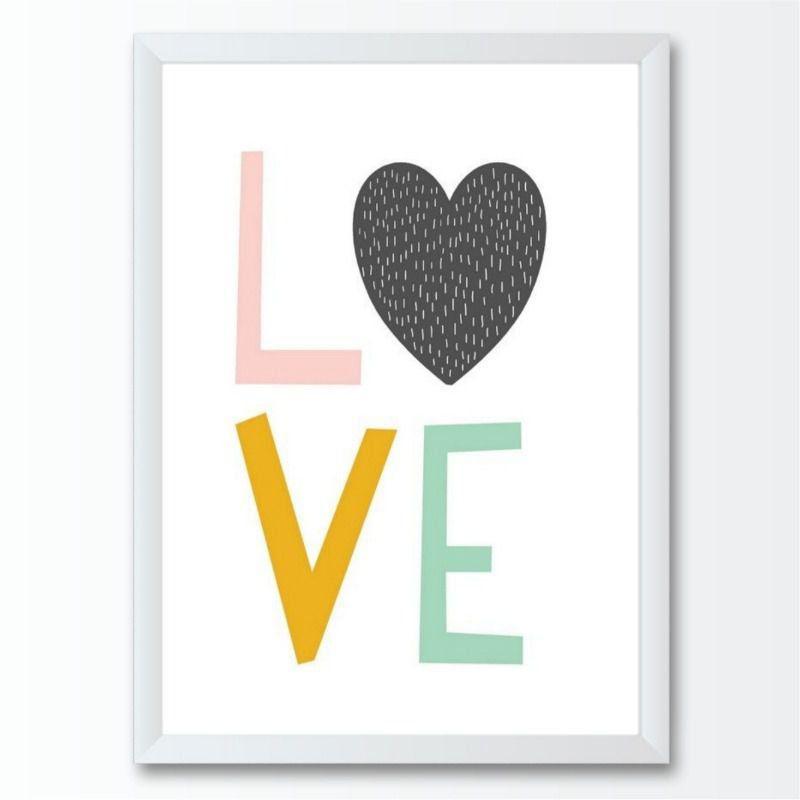 Quadro infantil LOVE coração