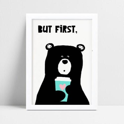 Quadro infantil quarto bebê urso preto segurando copo