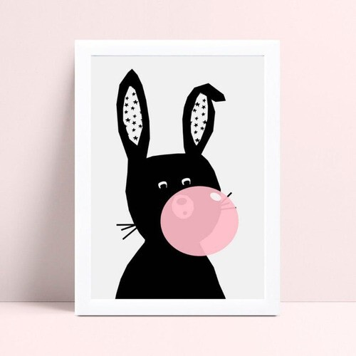 quadro quadro infantil coelho preto bola de chiclete rosa