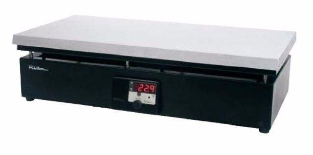 CHAPA AQUECEDORA DIGITAL RETANGULAR EM ALUMÍNIO 62X31CM ATÉ 350ºC REF 510D FISATOM