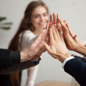 Sinergia Ativa: Oratória e Escutatória em movimento