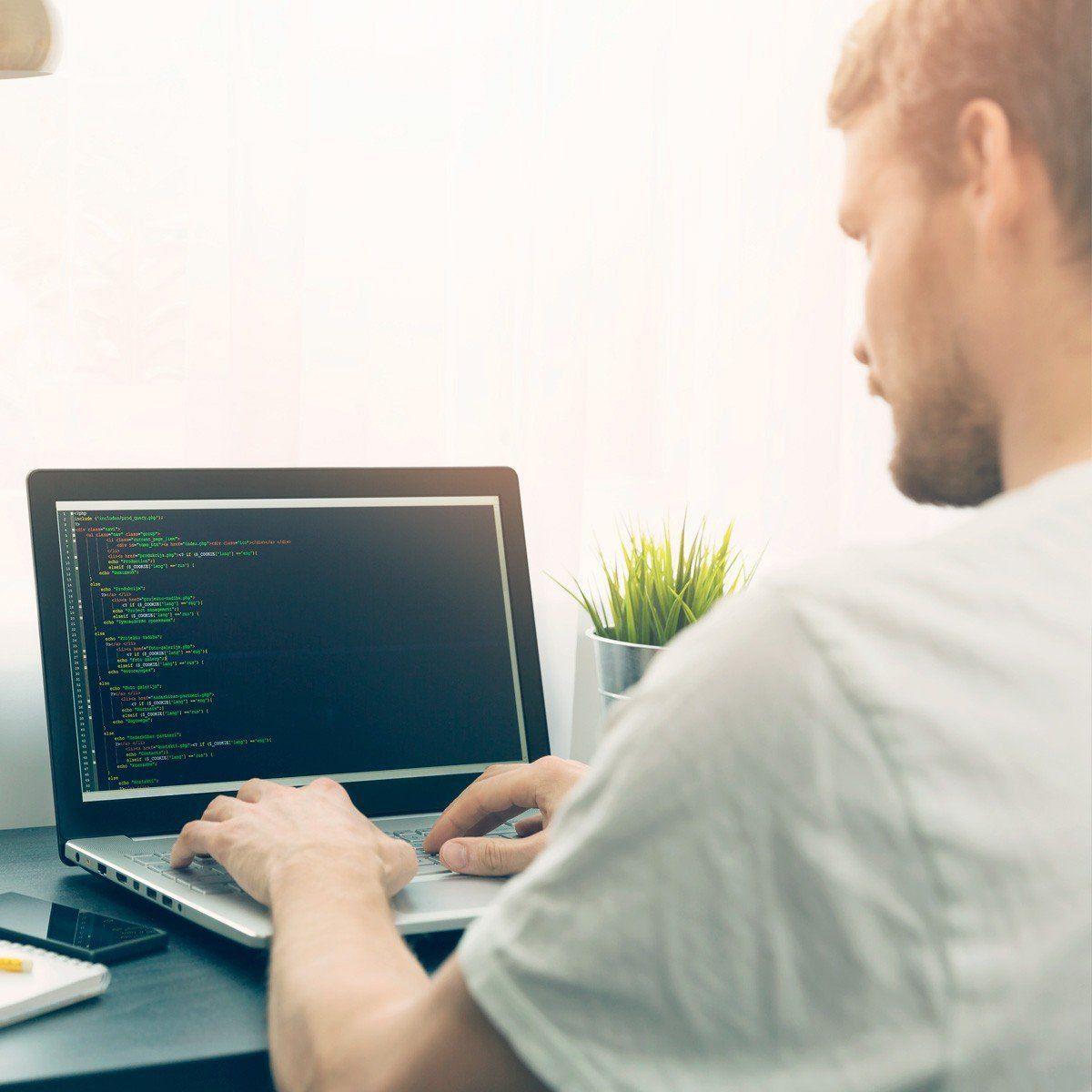 Desenvolvimento de Aplicações Web  - PUC Minas