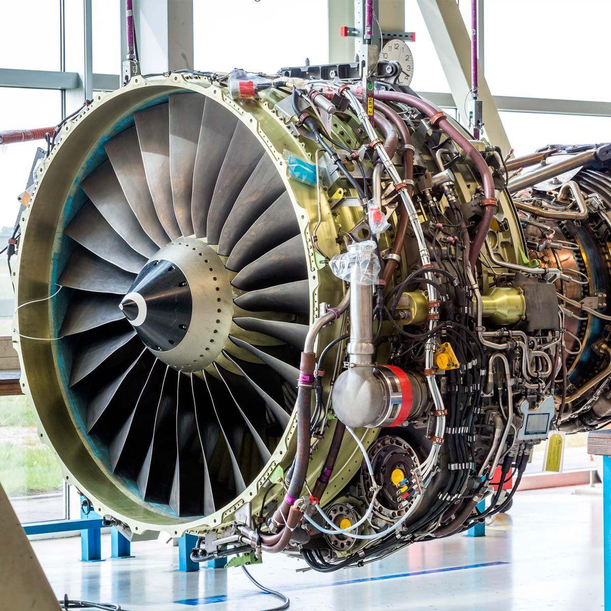 Engenharia de Manutenção Aeronáutica  - PUC Minas