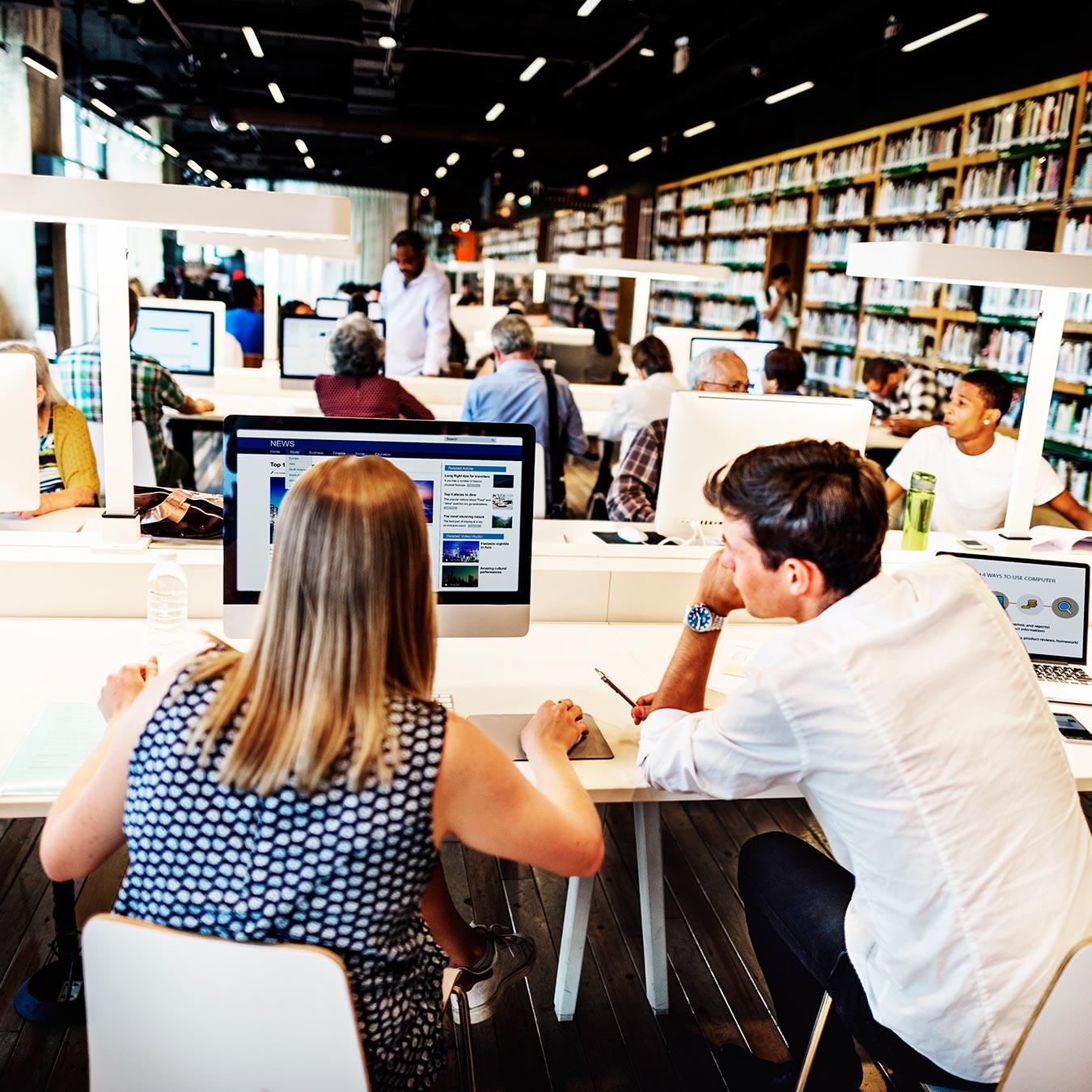Biblioteconomia com Ênfase em Biblioteca Escolar  - PUC Minas