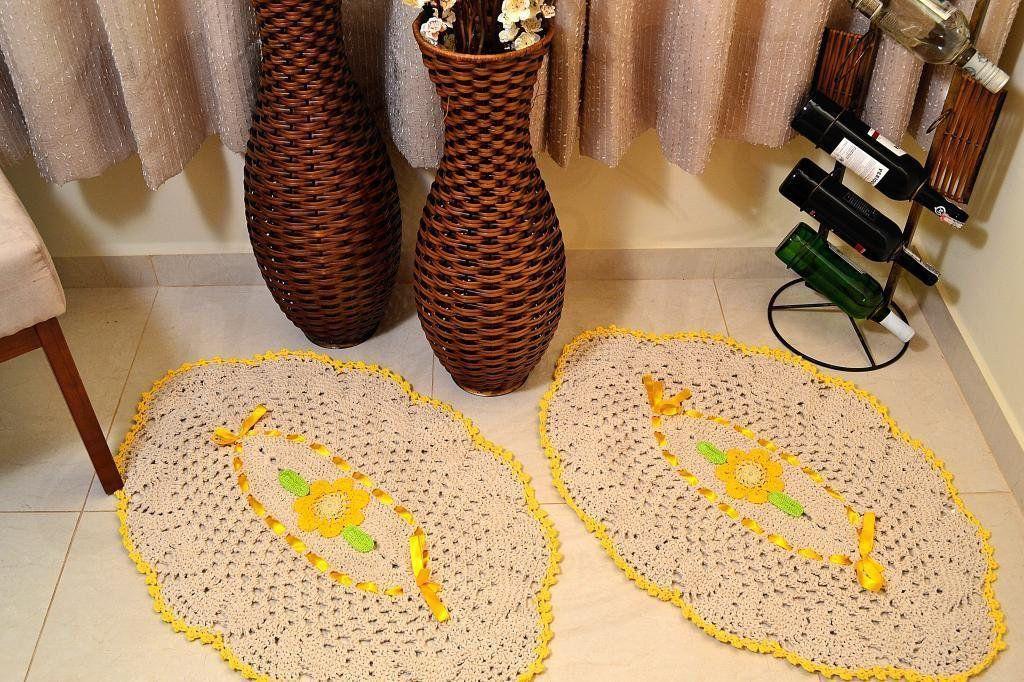 Par de Tapetes Formato Abacaxi - com Amarelo