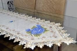 Caminho de Mesa com Flores Azul - 1,50 m