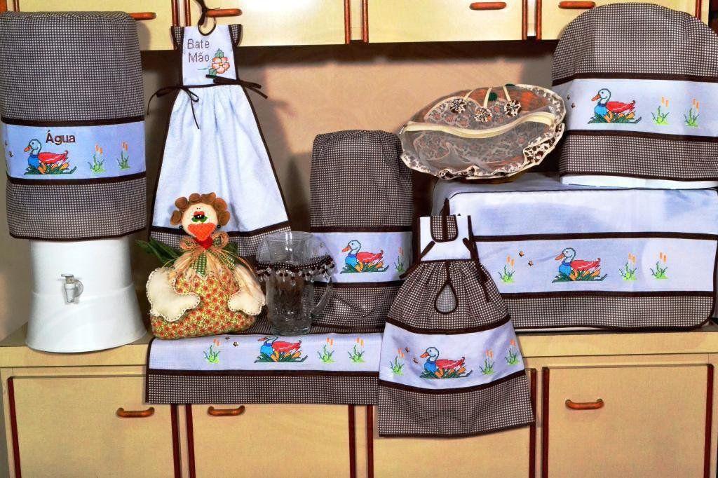 Jogo de Cozinha Ponto Cruz - Patinho em Tecido Xadrez Marrom
