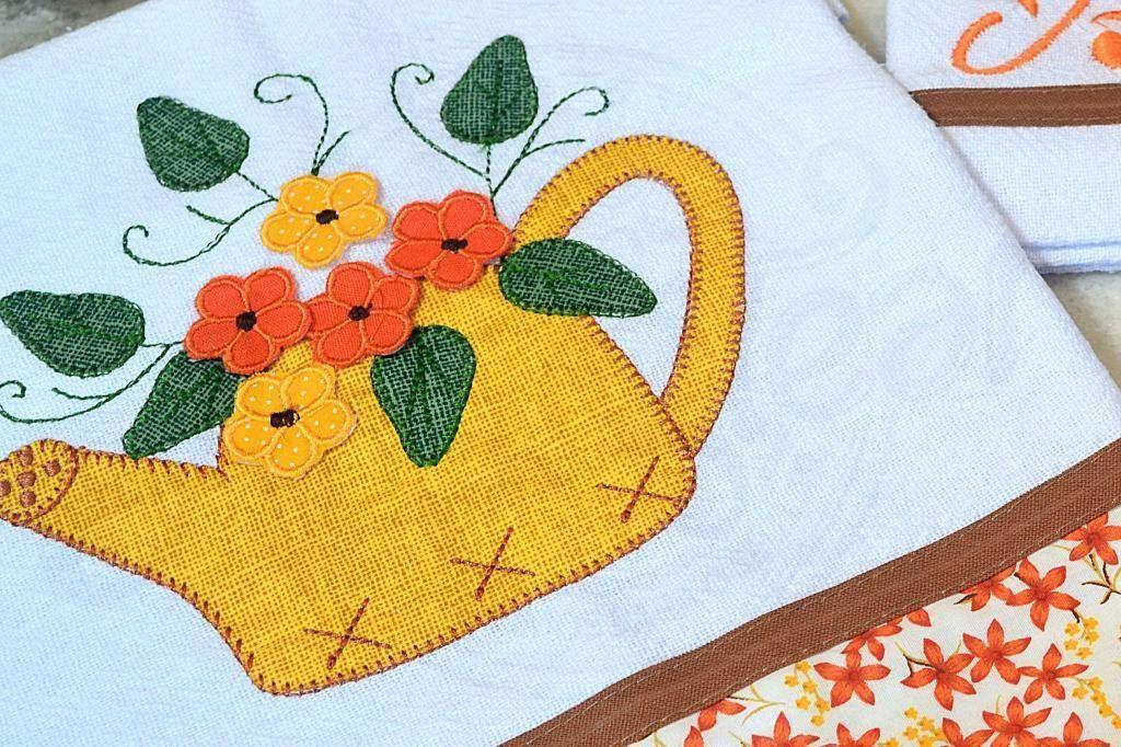 Kit de Cozinha Bordado Patchwork - Regador Amarelo com Flores