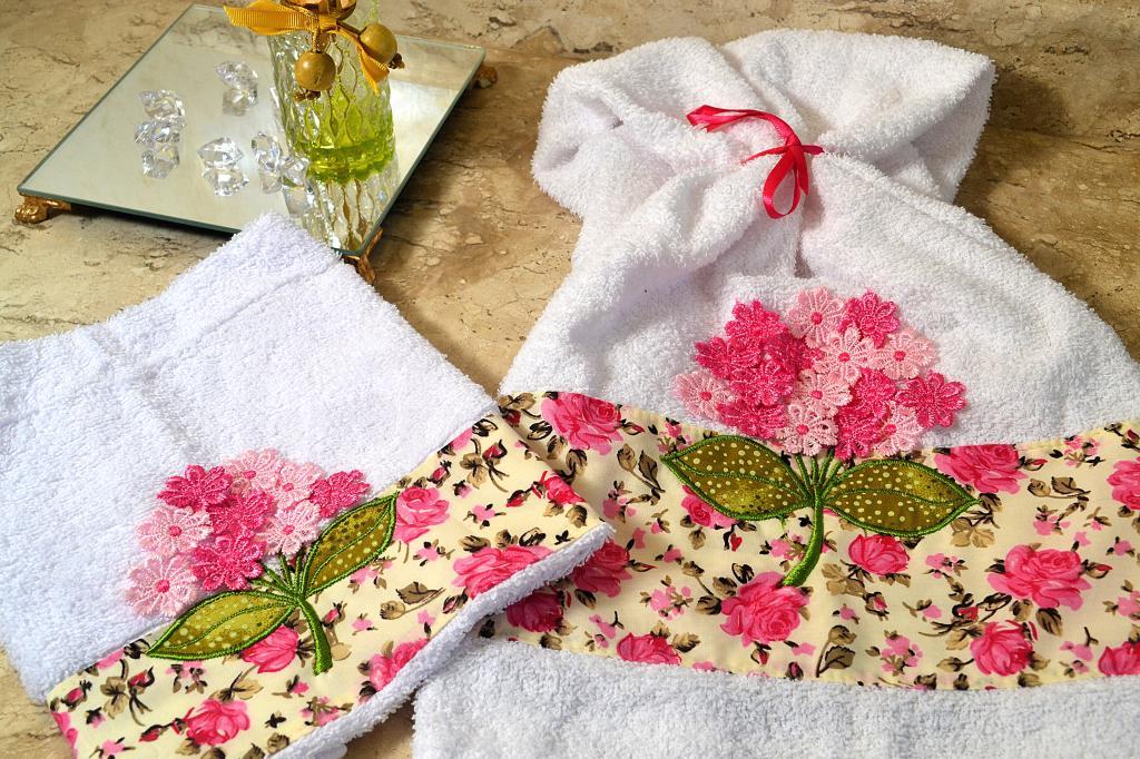 Combo Jogo Toalhas Rosto e Mão - Branca /Rosa + Jogo Americano 6 pçs Floral