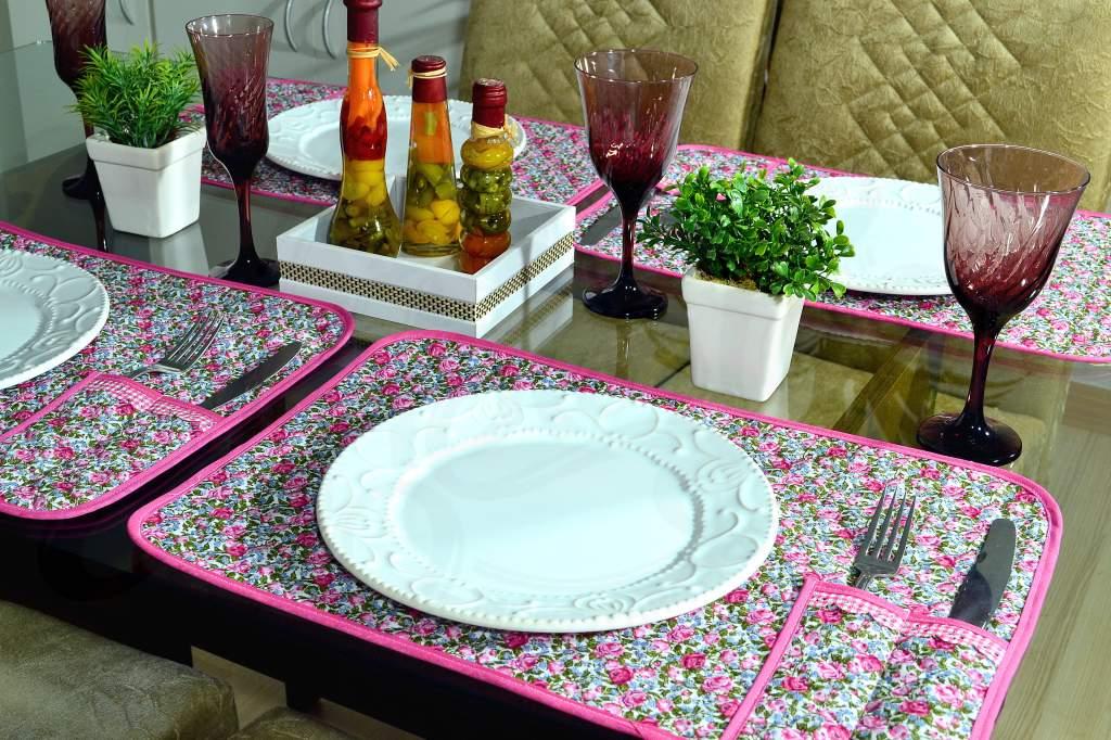 Jogo Americano Matelado com 4 Peças - Floral Rosa Pink