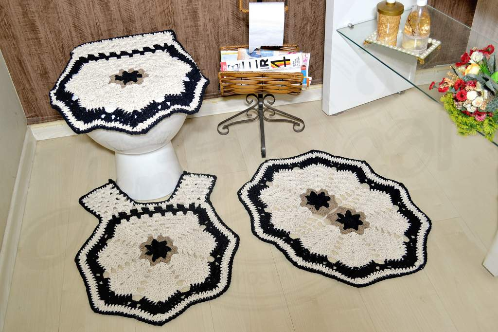 Jogo de Banheiro em Crochê - Detalhes em Preto