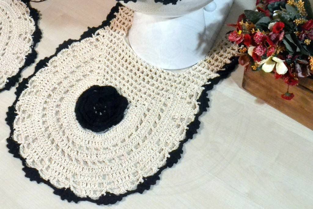 Jogo de Banheiro em Crochê - Flor Preta