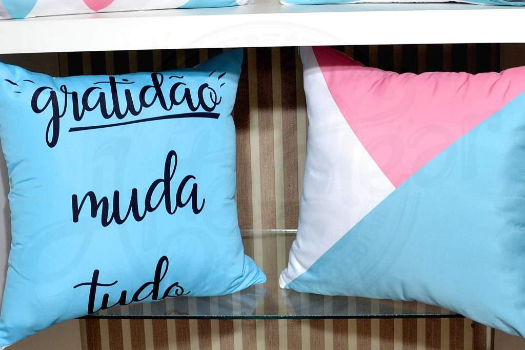 KIT CAPAS DE ALMOFADAS 4 PÇS - GRATIDÃO MUDA TUDO