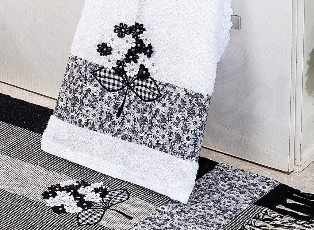 Kit de Lavabo Bordado Black Flowers