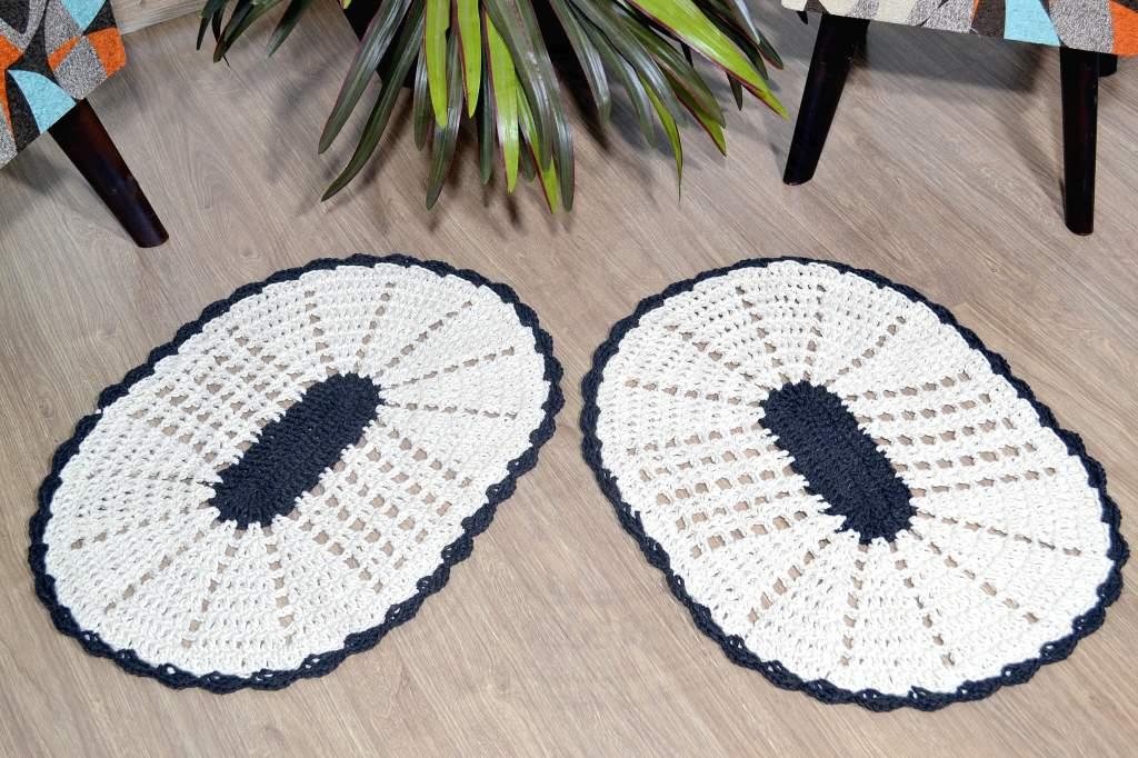 Par de Tapetes em Crochê Oval Liso -  Analu