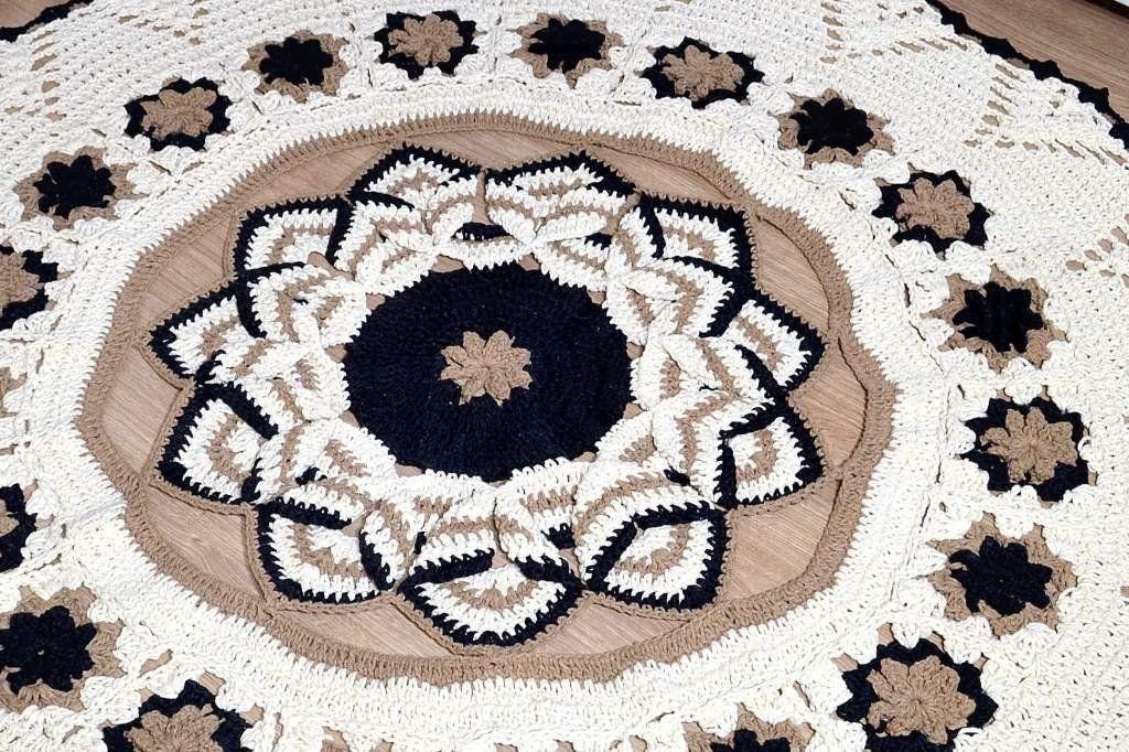 Tapetão de Sala Redondo em Crochê - Karina