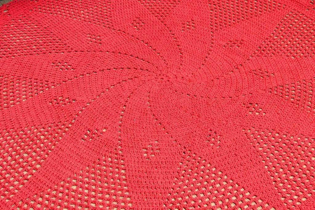 Tapetão de Sala Redondo em Crochê - Vermelho