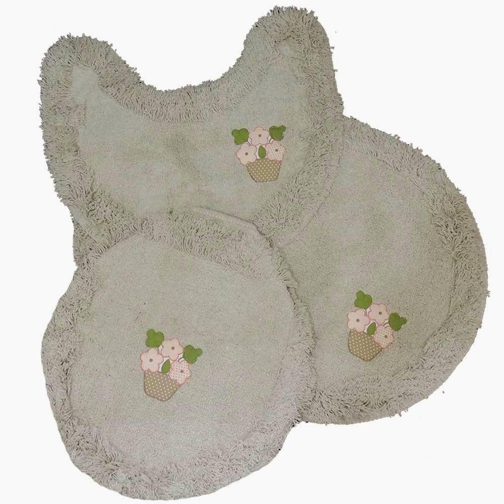Jogo tapetes para Banheiro 3 Peças Soft Bordado Bege/Vasinho - Tapetes Miriam