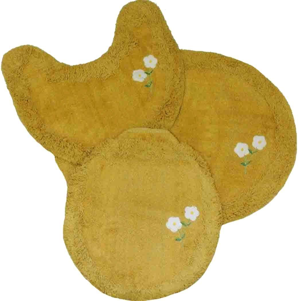 Jogo tapetes para Banheiro 3 Peças Soft Bordado Mostarda/Florzinha - Tapetes Miriam