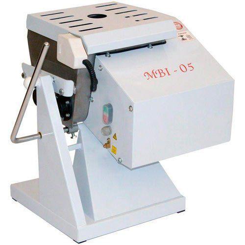 Amassadeira Semi-Rápida Basculante 5kg Gastromaq MBI-05 220V  - RW Automação