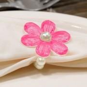 Kit 8 Peças Abraçadeira Prendedor Porta Guardanapo Pérola Pingente Flor Pink para Mesa de 8 Lugares