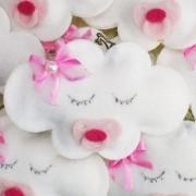 Lembrança Chaveiro Feltro Nuvem com Laço e Chupeta Rosa