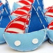 Lembranças Chaveiro 30 Unidades Feltro Azul e Vermelho Barco Vela