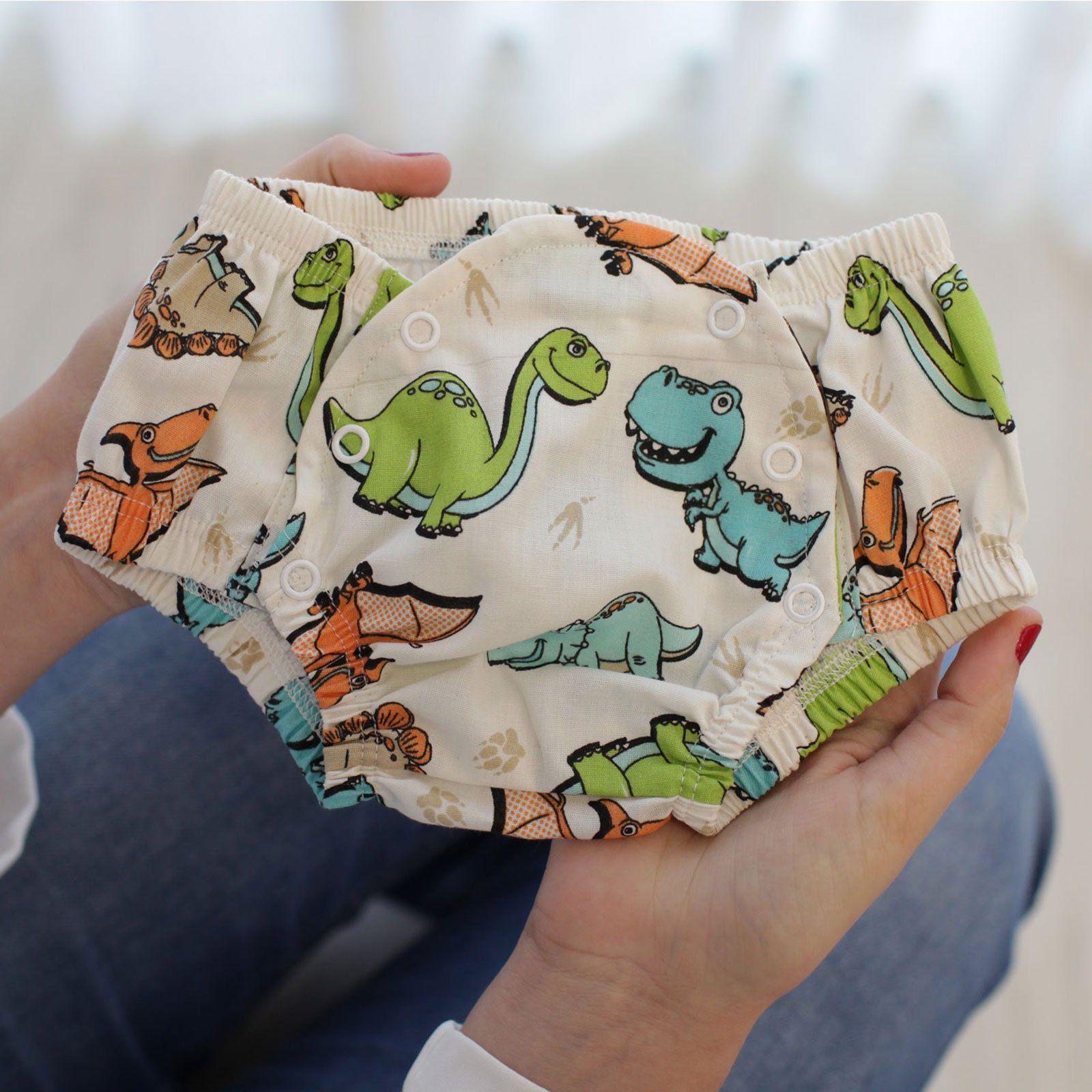 Conjunto Tapa Fralda e Babador Bandana  Impermeável com Regulagem Tricoline Bebê Dinossauros Laranja Azul e Verde