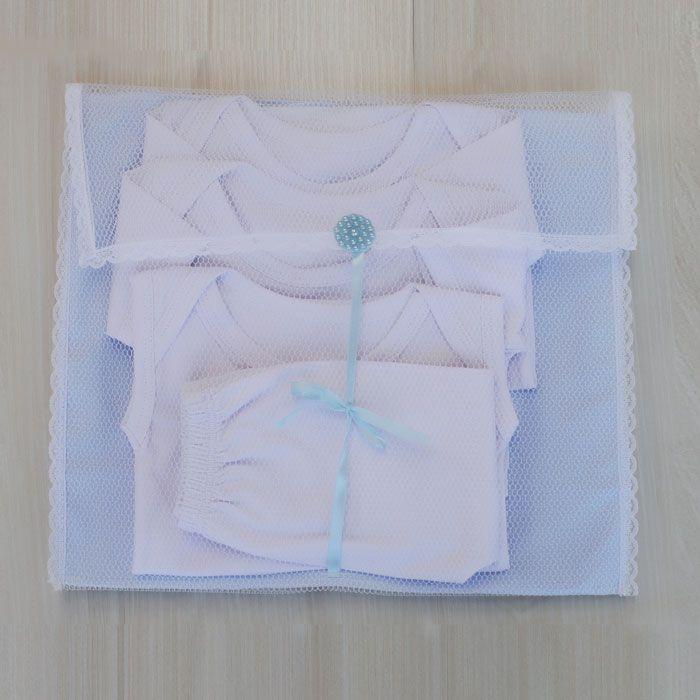 Kit Saquinhos Maternidade 4 Peças para Roupas Duplo Tule Poá Azul e Branco com Pérolas
