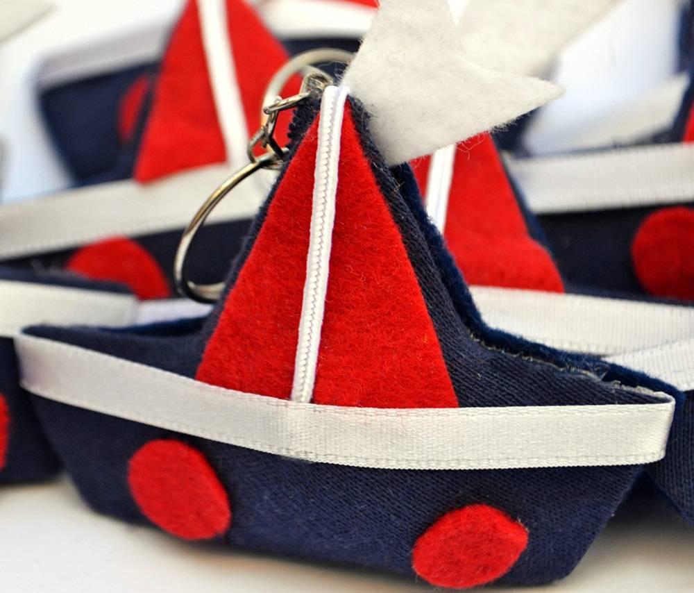 Lembranças Chaveiro 30 Unidades Feltro Marinho e Vermelho Barco Vela