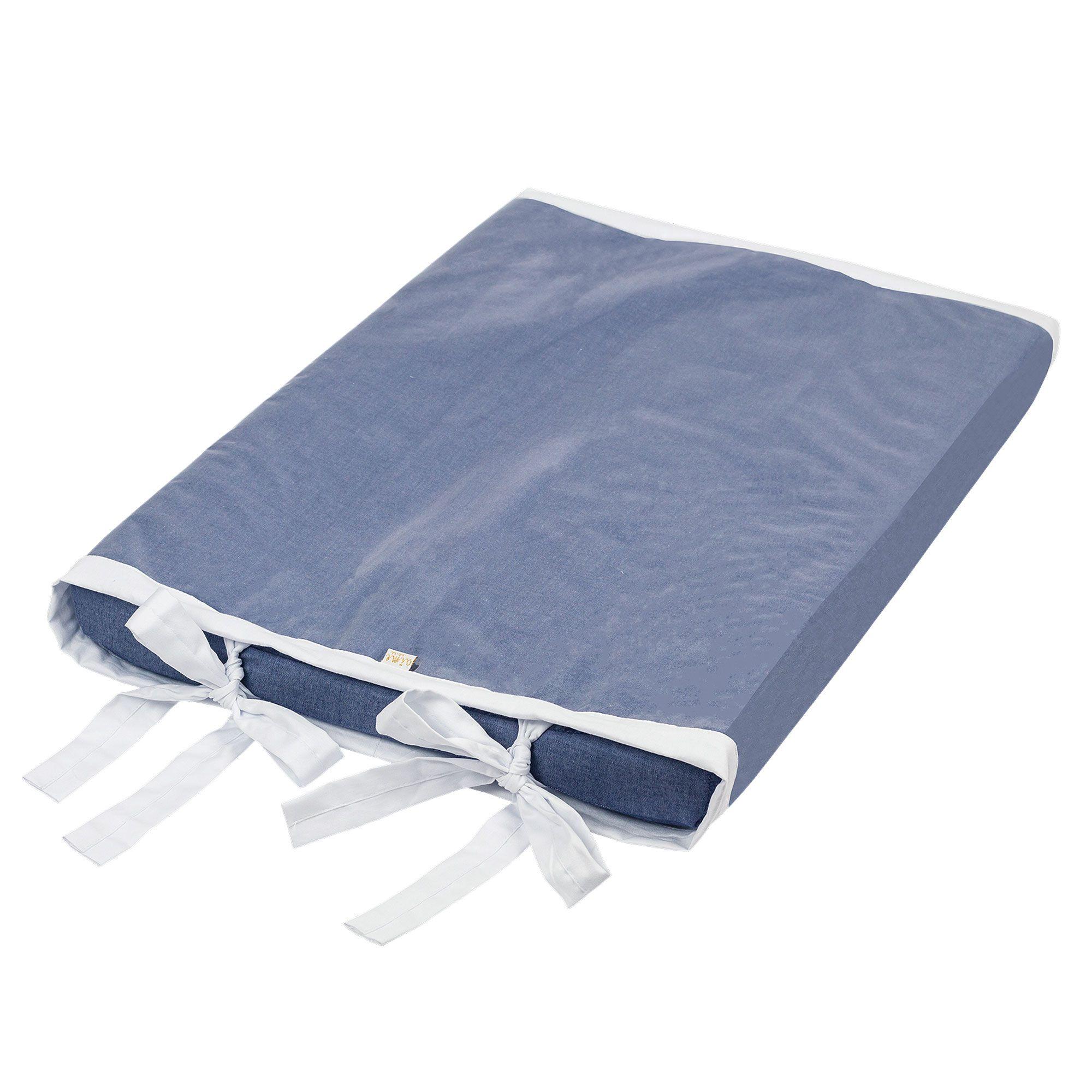 Trocador de Fraldas Anatômico para Bebê Plastificado Chambray Azul Jeans e Branco Coleção Cavalinho