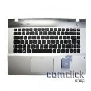 Teclado Padrão Brasileiro com Gabinete Superior e Touch Pad para Notebook Samsung NP-QX410