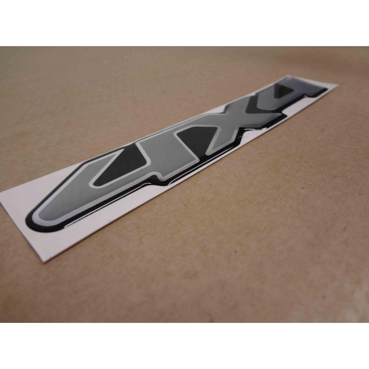 Adesivo Emblema Tracker 4x4 Resinado Trk02