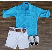 Bermuda Branca com Camisa Bata Azul Clara