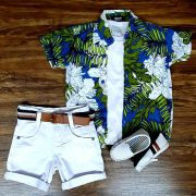 Bermuda Branca com Camiseta e Camisa Floral Infantil