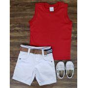 Bermuda Branca com Regata Vermelha