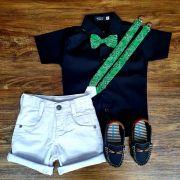 Bermuda Branca com Suspensório e Camisa Preta com Gravata