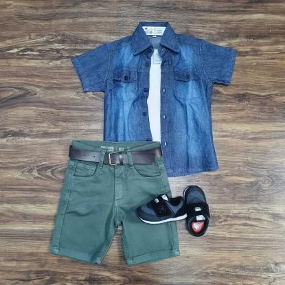 Bermuda Verde com Camisa Jeans mais Camiseta Infantil