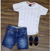 Bermuda Jeans com Camiseta Branca