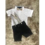Bermuda Preta Jeans com Suspensório e Camisa Social Branca com Gravata